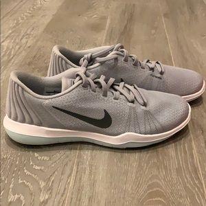 Nike 👟 Women's Size 7.5